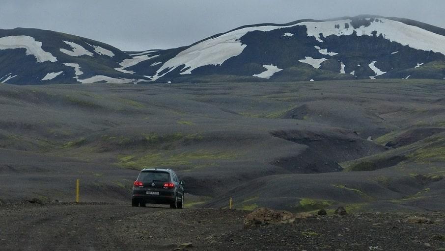cómo ahorrar dinero alquilando coche en Islandia