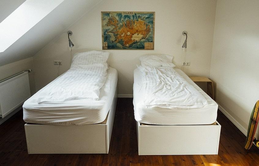 cómo ahorrar dinero en alojamiento en Islandia